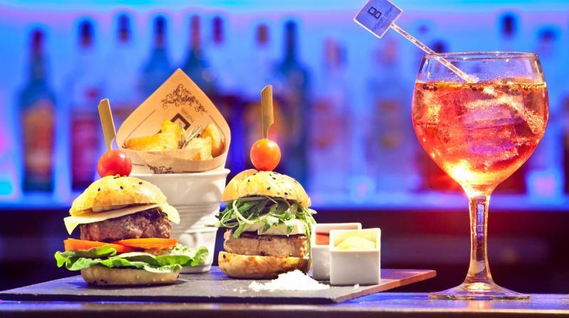 Burger and gin tonic