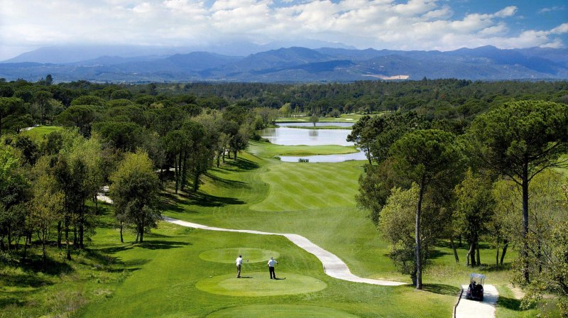 golf at PGA Catalunya