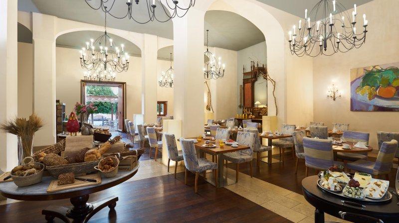 Restaurant arxiduc - breakfast