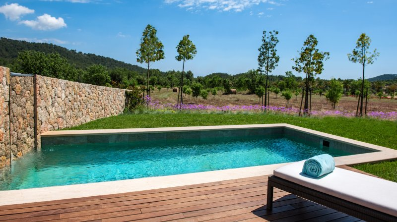 outdoor pool castell son claret
