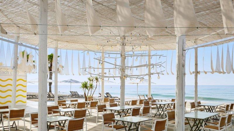 The Beach Club of Le Meridien Ra
