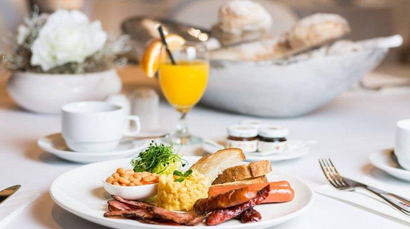 breakfast carlo IV