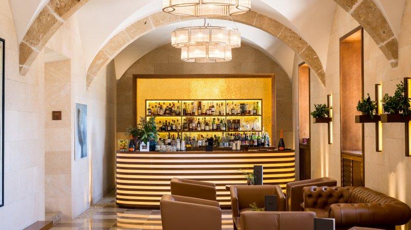 Castell Bar
