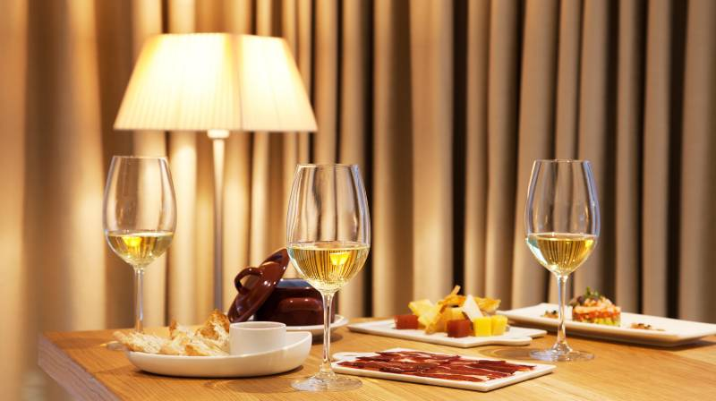 dinner with wine pairing in madrid