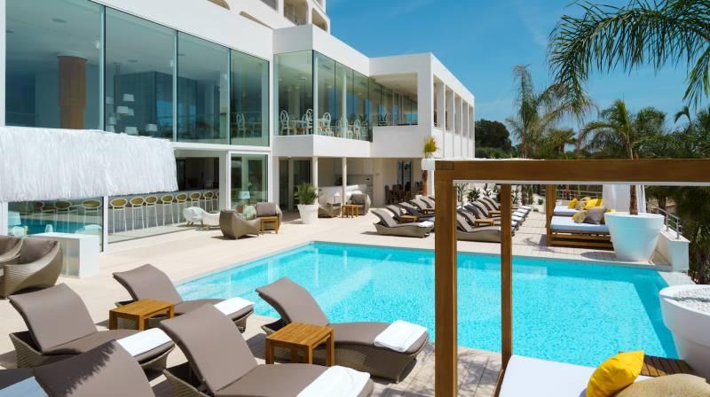 pool day pass mallorca