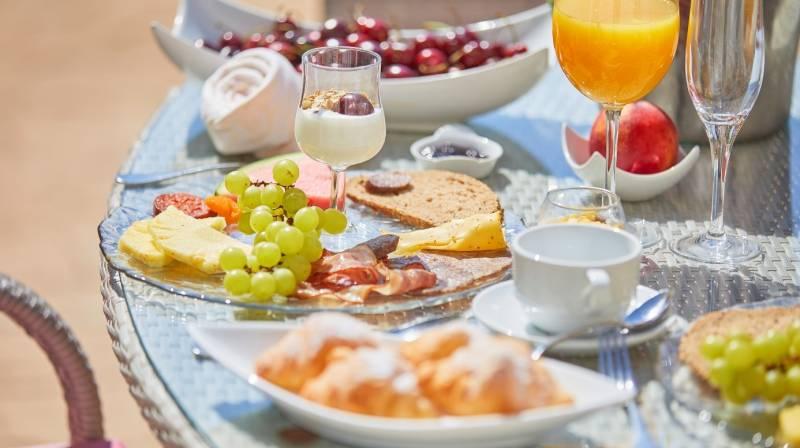 Breakfast & Spa at S'Olivaret