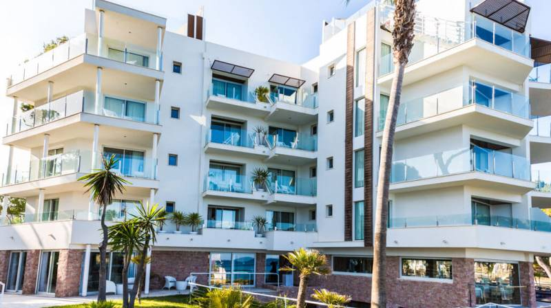 Accommodation with Dinner for two at MelBeach Mallorca