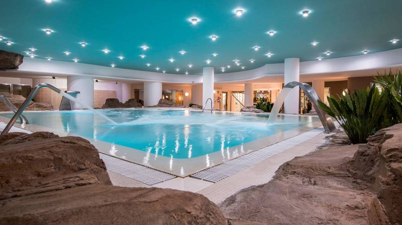 Luxury & Romantic Hotel in Valencia Oliva Nova Resort