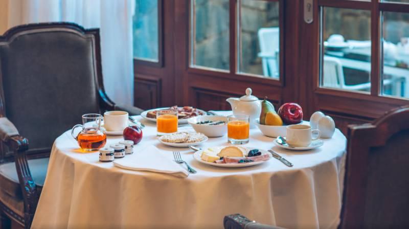 alojamiento con desayuno y cena tenerife