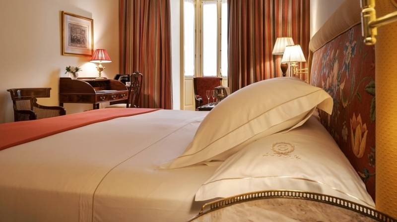 Accommodation with Dinner & Breakfast at Hotel  Orfila