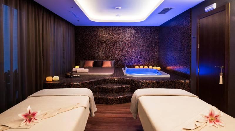 Private Spa, Massage & Cava for 2