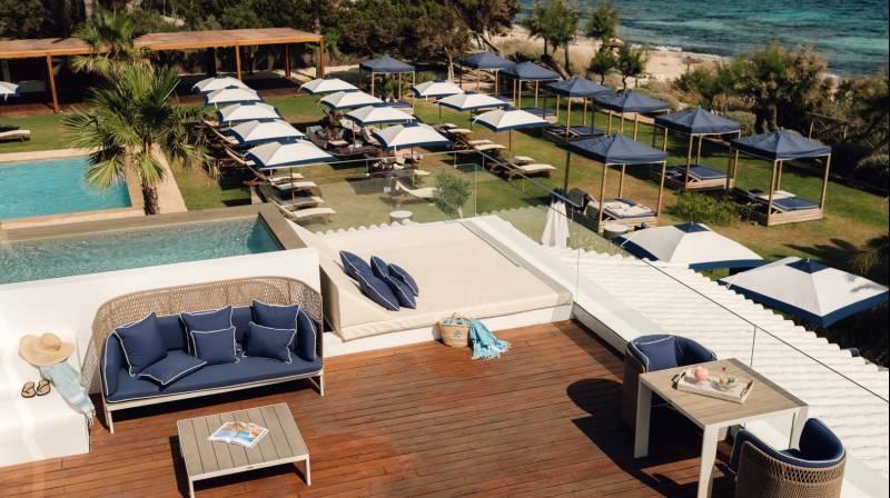 Cama Balinesa en Gecko Hotel & Beach Club