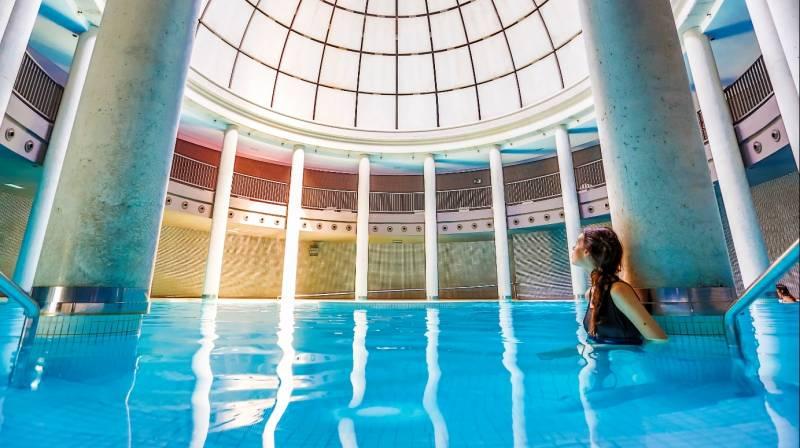 Alojamiento y Spa para dos en Gran Hotel Las Caldas Wellness Clinic