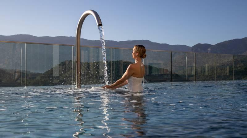 Jumeirah Port Soller Talise Spa Hydropool Swann Neck