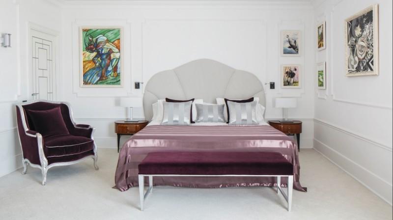 Alojamiento Solidario en Habitación Suite by Ronnie Wood