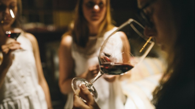 90-min private wine tasting session with Sommelier