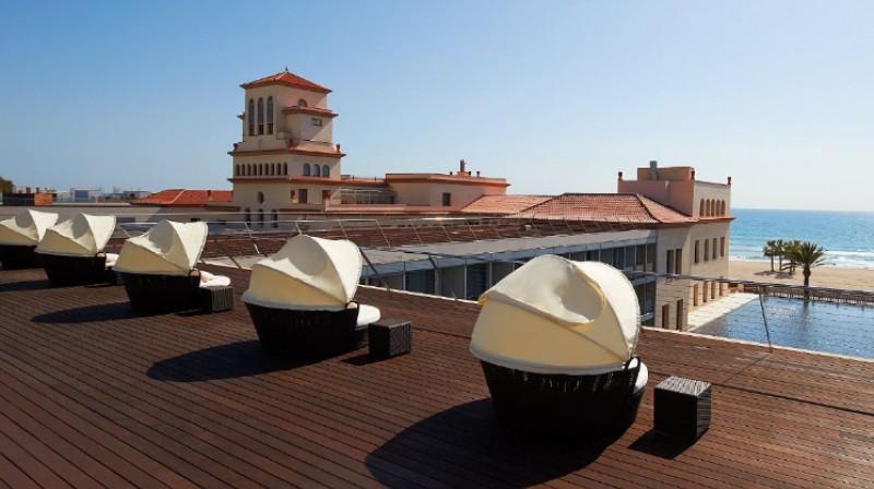 sunbath deck