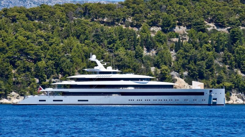 mega yacht spotting in Mallorca