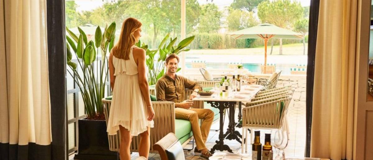 Social distancing hotel expereinces