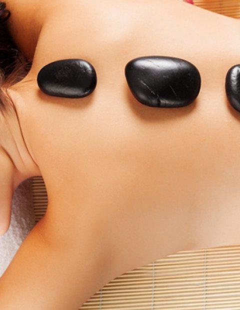 Masaje con Piedras calientes en el Spa de lujo del Hotel Le Méridien Ra Beach Hotel & Spa