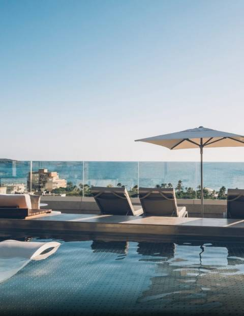 Daypass with pool, spa, breakfast & lunch in Mallorca