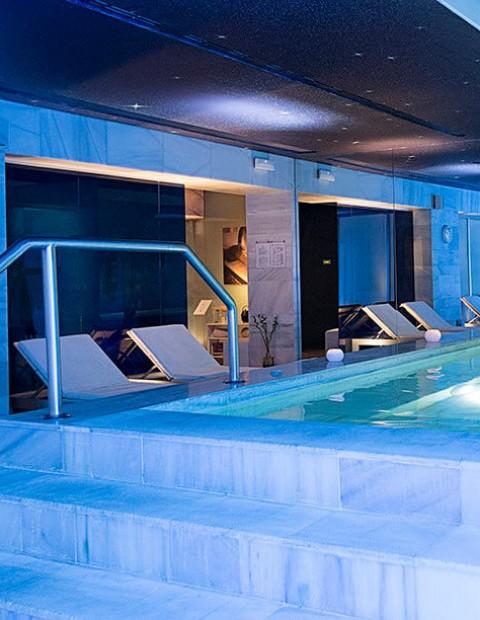 Spa, Massage & Tapas for 2 in Granada