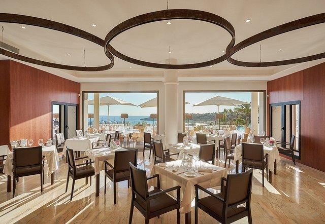 adriana restaurant port adriano