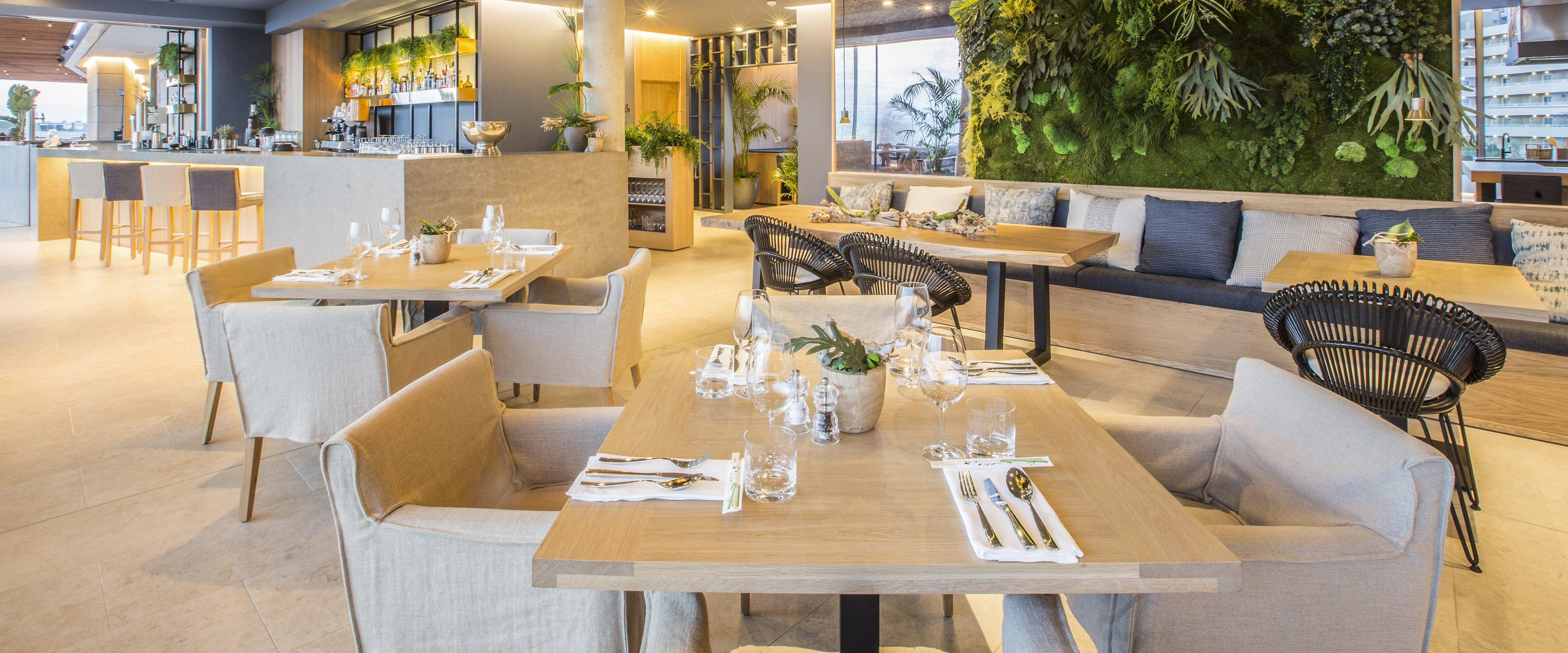 Katagi Blau Restaurant Llaut Palace