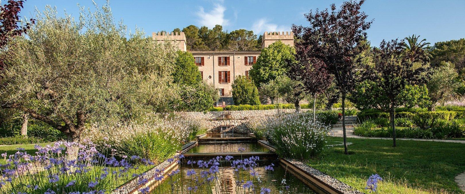 Castell Son Claret Garden