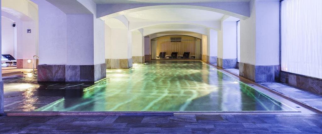 Pool at Carlo IV